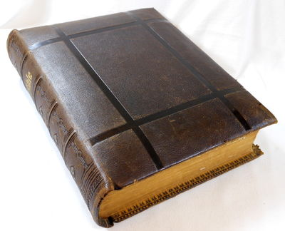 The Holy Bible Containing the Old and New Testaments [King James Version],  an Illustrated Bible Dictionary Also Apocrypha, Concordance and Psalms